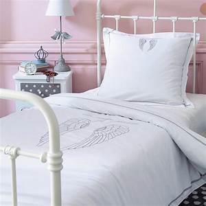Lit 140 X 200 : parure de lit 140 x 200 cm en coton blanche ange maisons du monde ~ Teatrodelosmanantiales.com Idées de Décoration