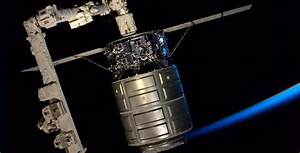 Astronomy and Space News - Astro Watch: Hatch on Cygnus ...