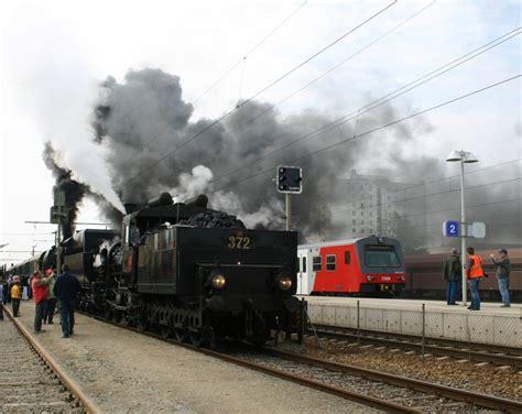 Br 52.100 Und Br 17c372 Werden In Kürze Mit Dem Zug Nach
