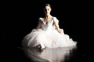 Black Swan | Thread By Thread: Costumes on Screen