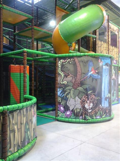 jeu interieur enfant parc de loisirs 224 creysse en dordogne dans le p 233 rigord giga parc