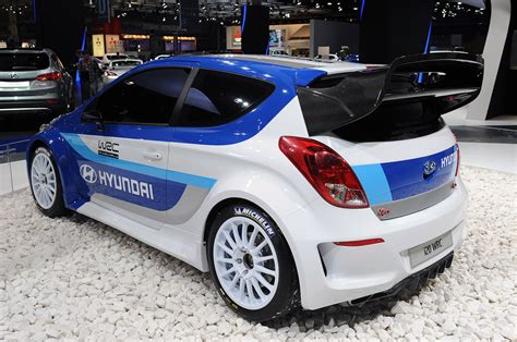 hyundai ready  jump   rallying   wrc
