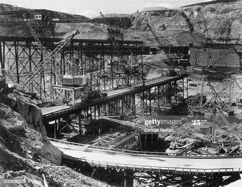 dam concrete largest coulee grand structure