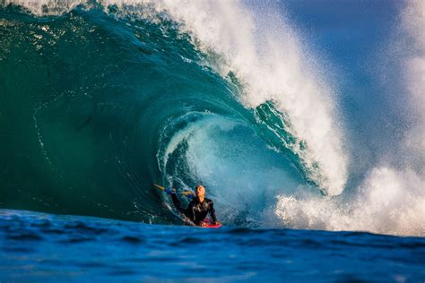 catch  wave   bodyboard