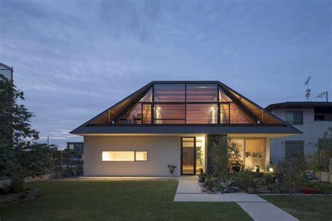 Modernes Haus Walmdach by Modernes Haus Mit Walmdach In Japan Die Architektur