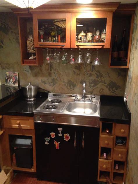 Basement Bar Fridge by Bar With Stovetop And Fridge Diy Bar With Slate