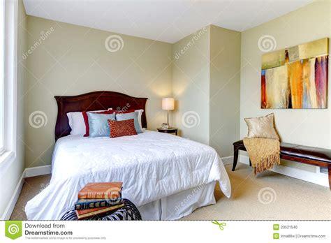 chambre à coucher blanche chambre a coucher grise et blanche