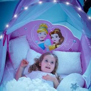 Lit Princesse Fille : lit baldaquin fille princesse digpres ~ Teatrodelosmanantiales.com Idées de Décoration