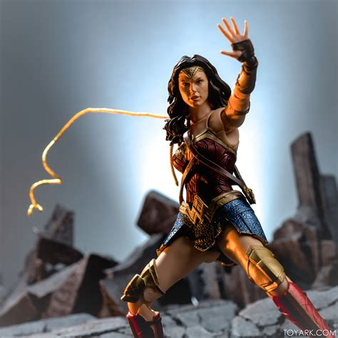 Sh Figuarts Justice League Wonder Woman Gallery The