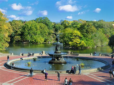 Best New York Tourist Attractions For Both Locals And Visitors