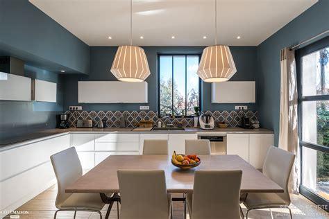 cuisine style industriel rénovation cuisine contemporaine et douce dans maison