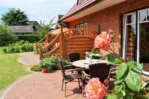 Garten  Wohnen Im Landhausstil Ferienhaus Stpeterording