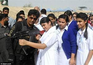 Pakistani schoolchildren are being taught how to use guns ...