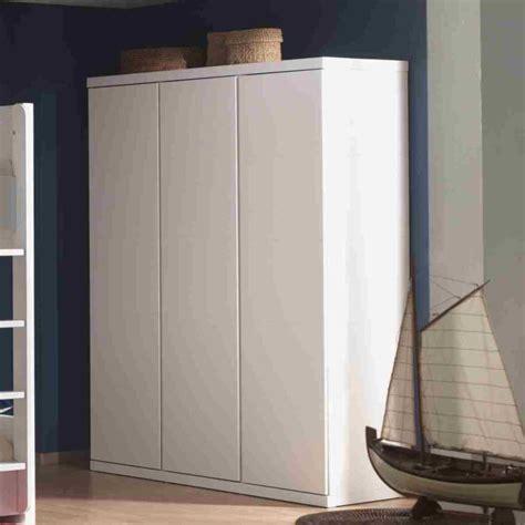 armoire chambre blanc armoire laquee blanc chambre