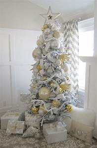 Home By Heidi: Silver and Gold Christmas Tree