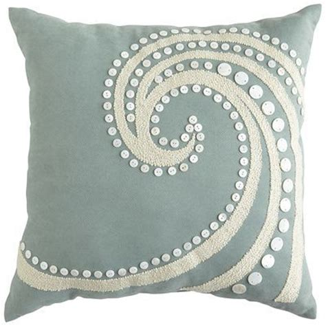 Pier One Outdoor Throw Pillows by 25 Best Ideas About Outdoor Pillow On Patio