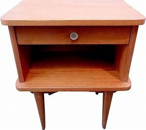 Petite Table En Bois : petite table de chevet vintage en bois design market ~ Teatrodelosmanantiales.com Idées de Décoration