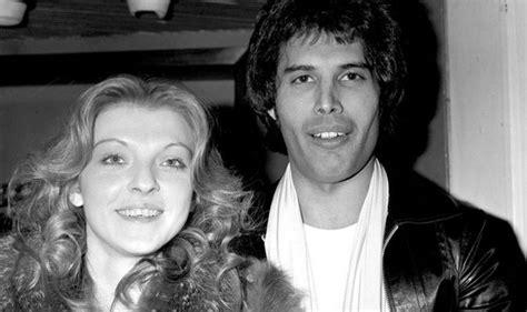 Nov 12, 2019 · in 2012, mary padian came aboard the second season of storage wars: Bohemian Rhapsody: Freddie Mercury ex Mary Austin SPEAKS ...