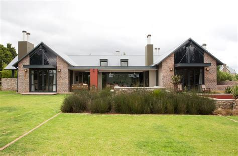 Courting country   SA Garden and Home