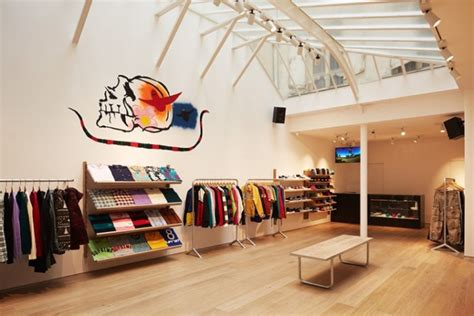 supreme clothing retailers supreme store 187 retail design