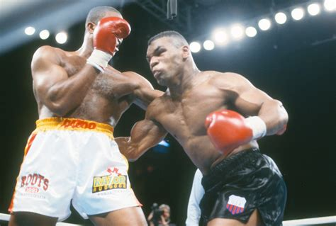 And tyson forces jones onto the ropes and jones is forced to. Mike Tyson vs Roy Jones Live Stream Reddit | Tonight Boxing Full Fight, Main Card Start Time ...