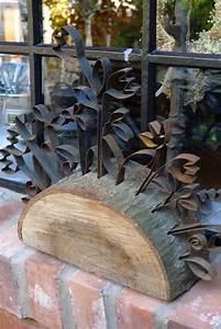 Basteln Mit Baumscheiben : baumscheibe dekorativ gestaltet baumscheiben gartendeko ~ Watch28wear.com Haus und Dekorationen
