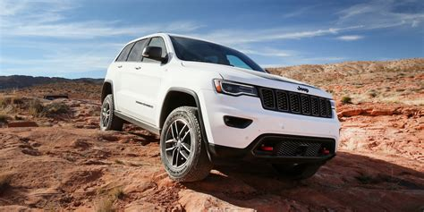 jeep grand cherokee trailhawk off road 2017 jeep grand cherokee trailhawk review caradvice