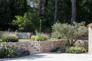 venelles jardin provencal en restanques classique With amenagement exterieur terrasse maison 4 amenagement dun jardin en restanques aix jardin