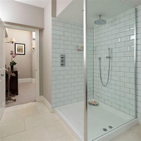 Tiling A Bathtub Enclosure by White Shower Room Housetohome Co Uk