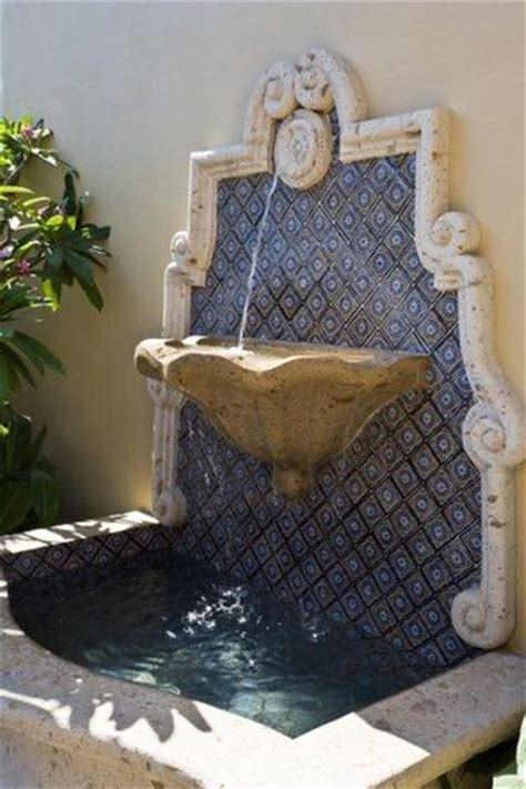 vdm hacienda water feature on the wall with