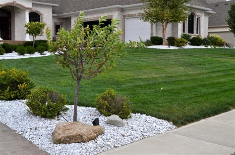 mulch garden white marble indianapolis decorative rock mccarty mulch
