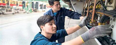 arbeit suchen in berlin arbeitsmarkt 7000 gefl 252 chtete finden arbeit in berlin und brandenburg wirtschaft tagesspiegel
