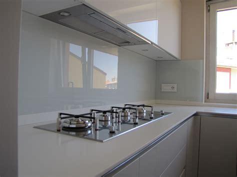 rivestimento cucina vetro forum arredamento it schienale vetro o okite