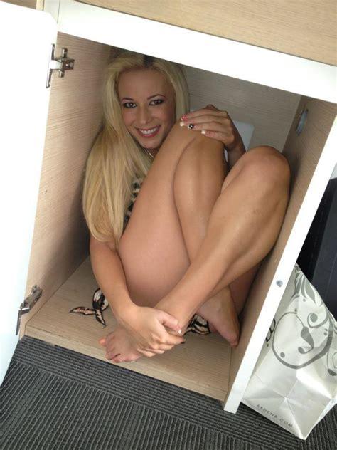 Katrina Johnsons Feet