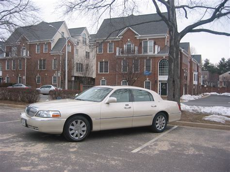 2003 Lincoln Town Car Pictures Cargurus