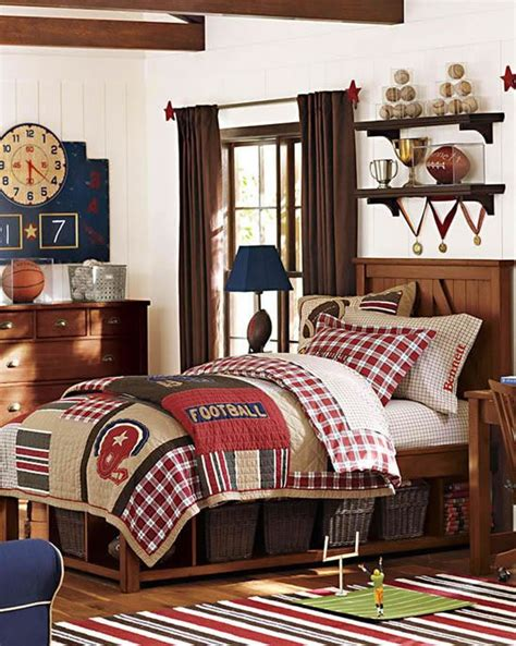 boys sports bedroom ideas an awesome football bedroom for boys of all ages a classic look that will easily grow up with