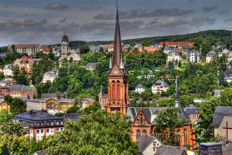 Sachsen ist ein freistaat in der bundesrepublik deutschland. Blick über Aue/Sachsen Foto & Bild | architektur ...