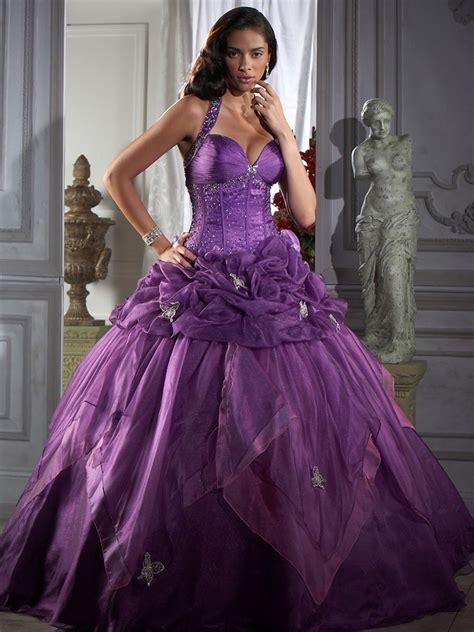 Красивые платья на выпускной фото обзор супер идей для милых леди