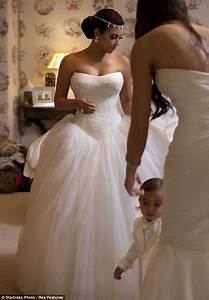 kim kardashian and kris humphries wedding photos inside With kim wedding dress