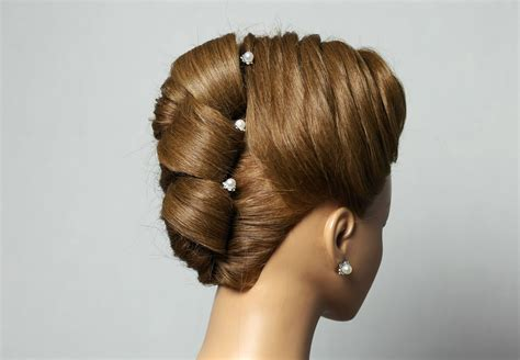 Pictures Of Hairstyles by Hairstyle For Medium Hair Updo Hairstyles вечерняя