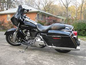 2 Bikes    2005 Electra    Street Glide And 2007 Electra Glide