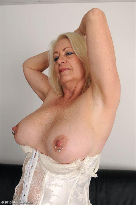 Mature Blondie Angelique Get Busy With Her Twat Milf Fox