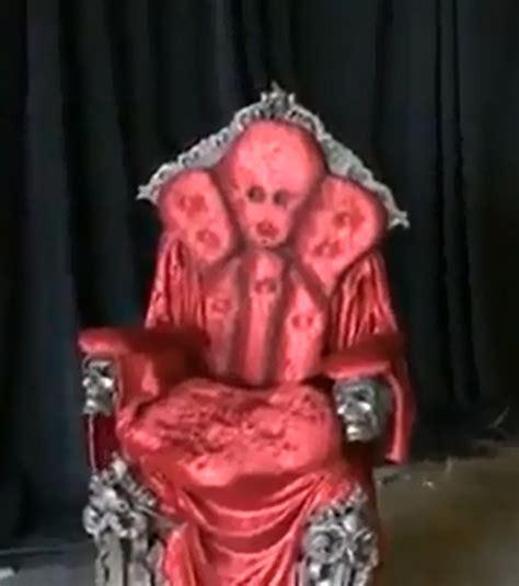 la chaise qui fait peur voici le meilleur déguisement pour