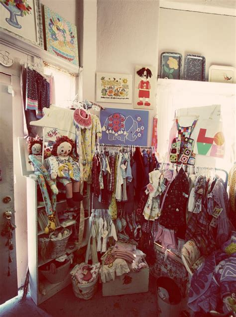 cutest  vintage store  beautiful mess