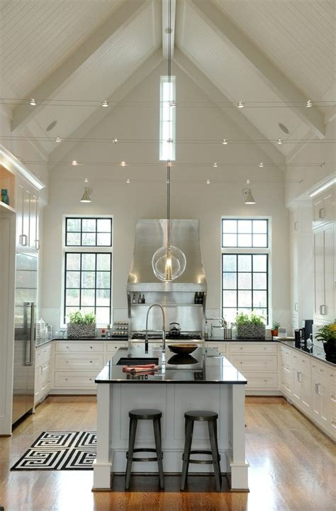 Sloped Ceiling Design Ideas by 45 Id 233 Es En Photos Pour Bien Choisir Un 238 Lot De Cuisine
