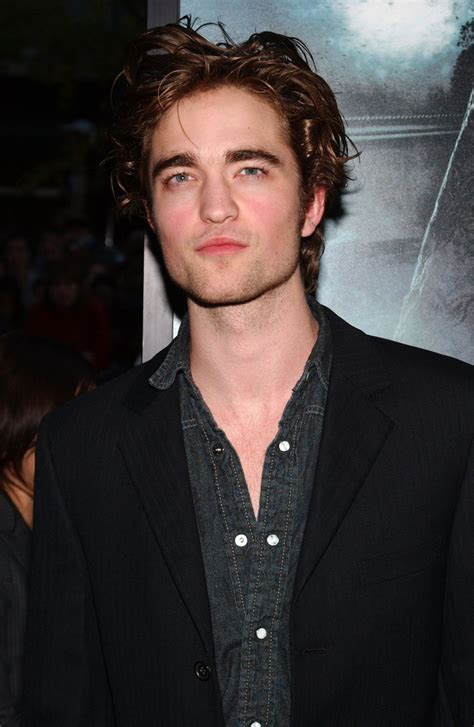 Robert Pattinson - Robert Pattinson Photos - Warner Bros ...