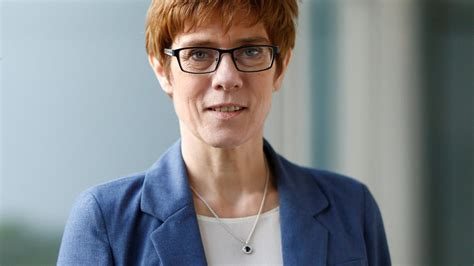 Presidential elections, the german debate over the future of transatlantic relations is fractious. Annegret Kramp-Karrenbauer: Die Selbstverzwergung ...