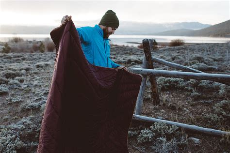 10 Best Camping Blankets How Much Yarn Do I Need For A Chunky Arm Knit Blanket What Is The Point Of Weighted Sunbeam Slumber Rest Electric Reviews Over King Size Uk Insurance Policy On Condo Sewing Fleece Blankets Instructions Should Weight Child Argos Super