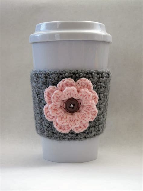 This project is great for beginners and would work well as a first project. Gray and Pink Crochet Coffee Cup Flower Cozy