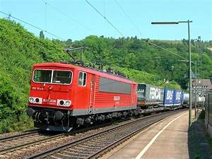 E 155 with a cargo train in Istein. 05.07.2006 - Rail ...